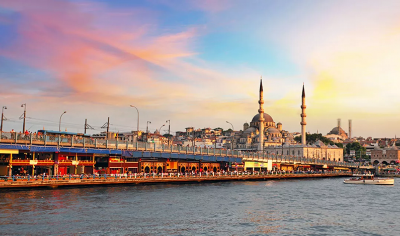 Turkey Rises in Popularity as Shopping Destination; Foreign Tourist Spend Climbs to New Highs