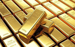 Gold Gains as Bond Yield Collapse