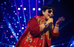Dandiya Masti in Dubai with Falguni Pathak